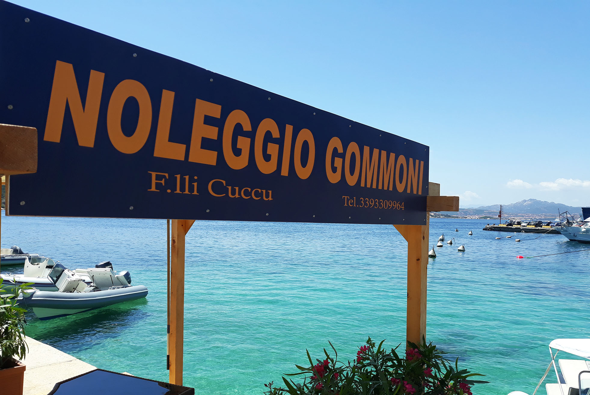 In gommone tra le isole